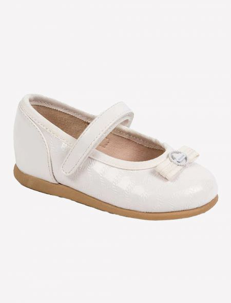 PATENED LEATHER MARY JANES...