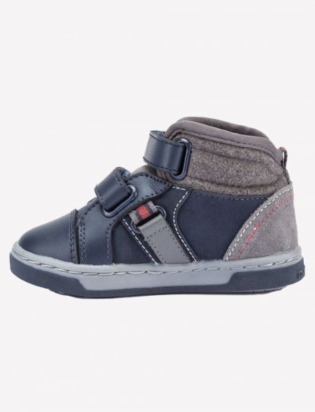 Sporty ankle boots for baby...