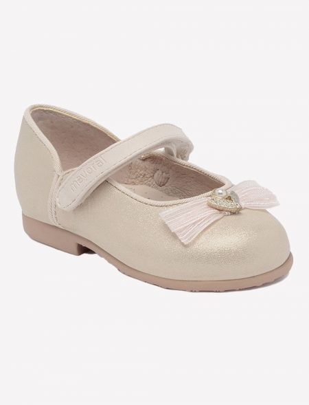 Ceremony pumps for girl...