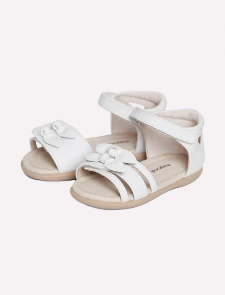 Strappy sandal with velcro...