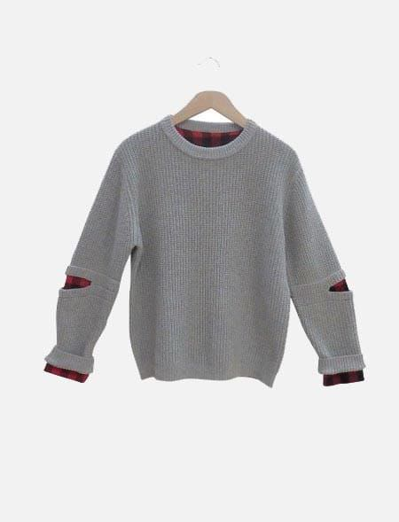 KNITTED SWEATER HASHTAG...